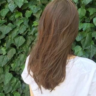 アッシュベージュ 外国人風 ナチュラル アッシュ ヘアスタイルや髪型の写真・画像