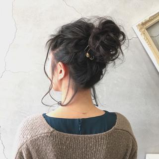 フェミニン ヘアアレンジ お団子 二次会 ヘアスタイルや髪型の写真・画像