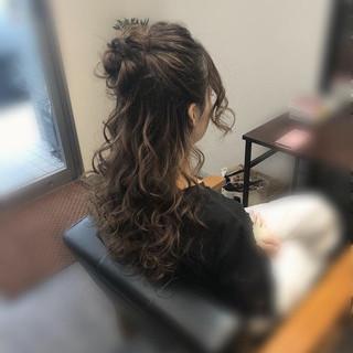 ハーフアップ お団子アレンジ フェミニン セミロング ヘアスタイルや髪型の写真・画像