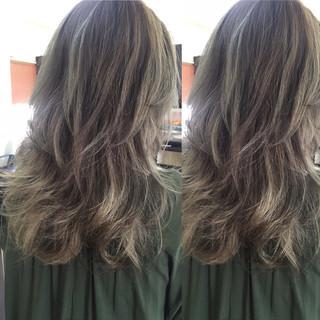 ストリート アッシュ グレージュ グラデーションカラー ヘアスタイルや髪型の写真・画像