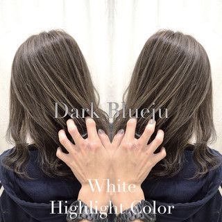 ホワイトハイライト セミロング ブルージュ コントラストハイライト ヘアスタイルや髪型の写真・画像