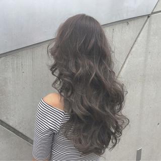 ロング ゆるふわ グラデーションカラー パーマ ヘアスタイルや髪型の写真・画像