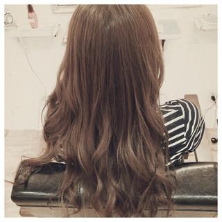 外国人風 ナチュラル ゆるふわ ロング ヘアスタイルや髪型の写真・画像 ヘアスタイルや髪型の写真・画像