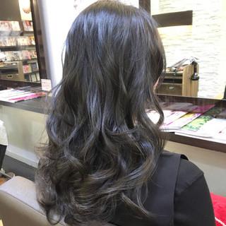 外国人風 アッシュ ニュアンス 大人女子 ヘアスタイルや髪型の写真・画像