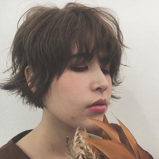 外ハネ 透明感 ショート アンニュイ ヘアスタイルや髪型の写真・画像