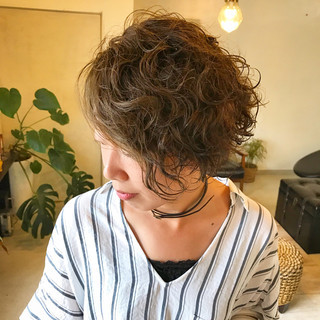 外ハネ ボブ かっこいい パーマ ヘアスタイルや髪型の写真・画像 ヘアスタイルや髪型の写真・画像