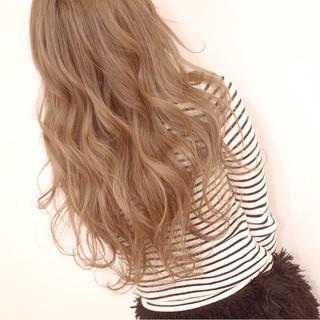 ロング ブリーチ 透明感 外国人風カラー ヘアスタイルや髪型の写真・画像