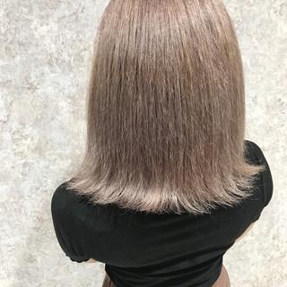 フェミニン デート ミディアム ボブ ヘアスタイルや髪型の写真・画像 ヘアスタイルや髪型の写真・画像