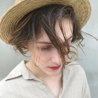 ミニボブ 抜け感 ハイトーンボブ ハイトーン ヘアスタイルや髪型の写真・画像