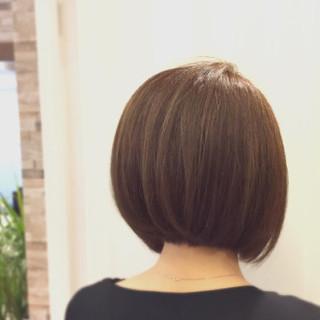 アッシュベージュ モード ボブ 大人女子 ヘアスタイルや髪型の写真・画像