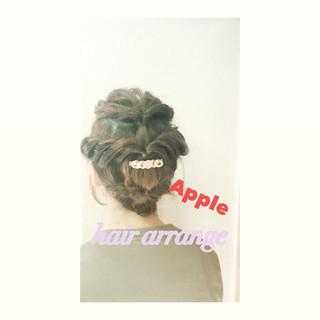 くるりんぱ フェミニン ミディアム ヘアアレンジ ヘアスタイルや髪型の写真・画像
