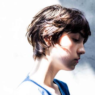 ウルフ モード ハンサム 無造作パーマ ヘアスタイルや髪型の写真・画像