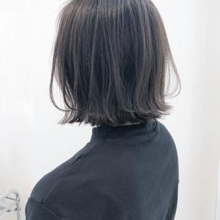 ナチュラル グレージュ ボブ ダークグレー ヘアスタイルや髪型の写真・画像