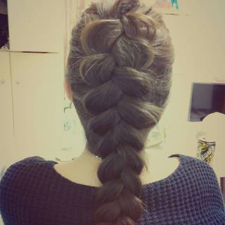 ガーリー ストリート 編み込み ロング ヘアスタイルや髪型の写真・画像