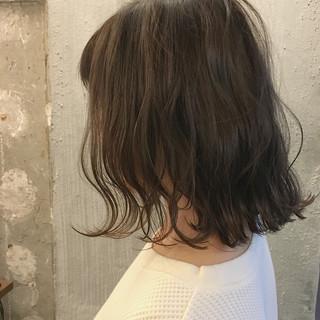 リラックス 秋 ボブ オフィス ヘアスタイルや髪型の写真・画像