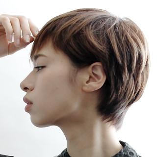 ショート ナチュラル オフィス リラックス ヘアスタイルや髪型の写真・画像