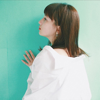 小顔 大人女子 ニュアンス ミディアム ヘアスタイルや髪型の写真・画像