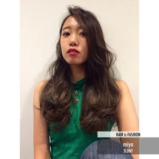 ストレート 暗髪 グラデーションカラー パンク ヘアスタイルや髪型の写真・画像