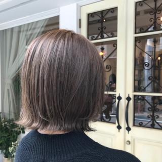 ミニボブ ナチュラル 切りっぱなしボブ 外ハネボブ ヘアスタイルや髪型の写真・画像