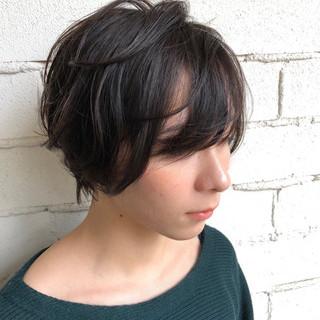 スポーツ ゆるふわ ショート フェミニン ヘアスタイルや髪型の写真・画像