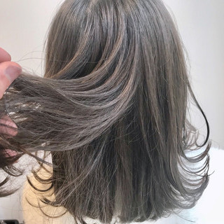 ナチュラル オリーブアッシュ 簡単スタイリング オリーブカラー ヘアスタイルや髪型の写真・画像
