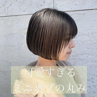 ミニボブ ナチュラル 切りっぱなしボブ ショートボブ ヘアスタイルや髪型の写真・画像