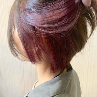 インナーカラー 大人かわいい ラベンダーピンク ショート ヘアスタイルや髪型の写真・画像