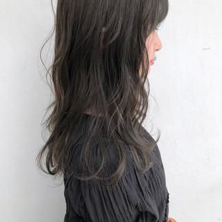 アッシュグレージュ グレージュ ナチュラル ミルクティーグレージュ ヘアスタイルや髪型の写真・画像