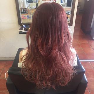 レッド ガーリー グラデーションカラー ベージュ ヘアスタイルや髪型の写真・画像