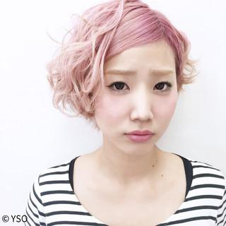 ピンク ガーリー ウェーブ グラデーションカラー ヘアスタイルや髪型の写真・画像