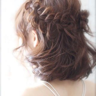 パーマ ハーフアップ ヘアアレンジ ナチュラル ヘアスタイルや髪型の写真・画像