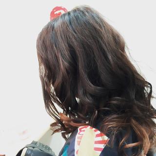 セミロング ピンク 上品 インナーカラー ヘアスタイルや髪型の写真・画像 ヘアスタイルや髪型の写真・画像
