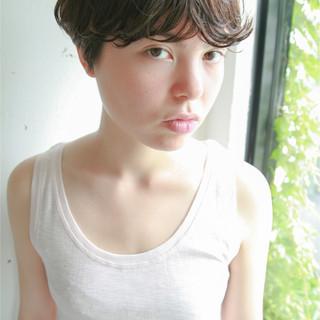 アッシュ 前髪あり 暗髪 パーマ ヘアスタイルや髪型の写真・画像