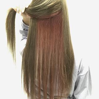 ブリーチ ピンク インナーカラー ガーリー ヘアスタイルや髪型の写真・画像