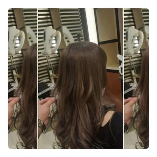 ロング ナチュラル 巻き髪 アッシュ ヘアスタイルや髪型の写真・画像