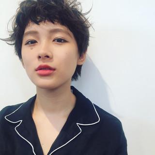 黒髪ショート×パーマスタイルで抜け感たっぷり大胆イメチェン♡
