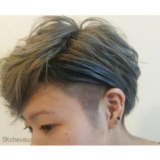 グレージュ 個性的 外国人風 モード ヘアスタイルや髪型の写真・画像