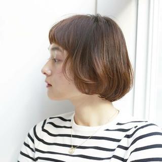 アッシュ アンニュイほつれヘア ナチュラル オフィス ヘアスタイルや髪型の写真・画像