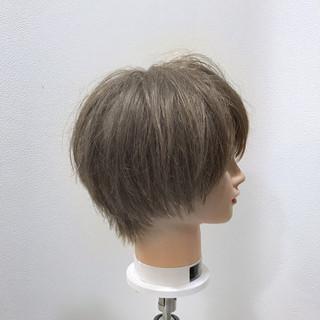 ストリート 外国人風カラー グレージュ 小顔 ヘアスタイルや髪型の写真・画像