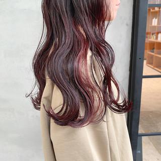 ロング ピンクブラウン 赤髪 簡単スタイリング ヘアスタイルや髪型の写真・画像