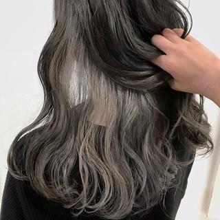 グレージュ セミロング モード 個性的 ヘアスタイルや髪型の写真・画像 ヘアスタイルや髪型の写真・画像