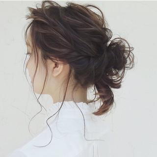 ガーリー ヘアアレンジ 結婚式 ナチュラル ヘアスタイルや髪型の写真・画像 ヘアスタイルや髪型の写真・画像