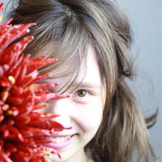 セミロング フェミニン ゆるふわ 大人かわいい ヘアスタイルや髪型の写真・画像