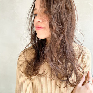 ベージュ グレージュ アッシュベージュ セミロング ヘアスタイルや髪型の写真・画像