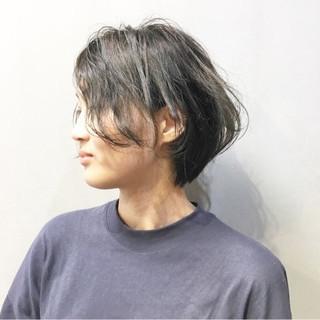 ショート ブラウンベージュ アッシュグレージュ アッシュベージュ ヘアスタイルや髪型の写真・画像