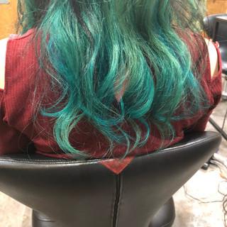 モード ロング #インナーカラー 3Dハイライト ヘアスタイルや髪型の写真・画像 ヘアスタイルや髪型の写真・画像
