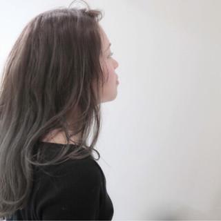 ナチュラル セミロング イルミナカラー 外国人風カラー ヘアスタイルや髪型の写真・画像