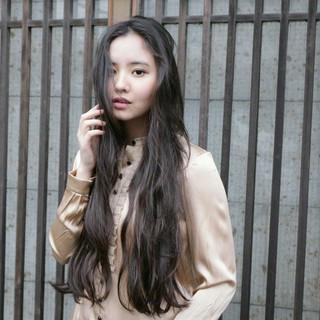 モード ロング アンニュイ 波ウェーブ ヘアスタイルや髪型の写真・画像