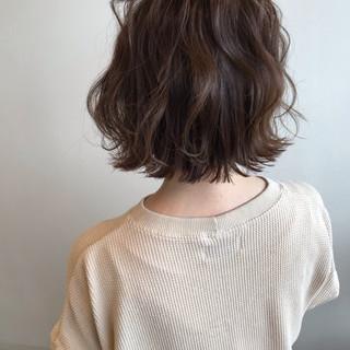 パーマ ハンサムボブ ボブ 切りっぱなし ヘアスタイルや髪型の写真・画像