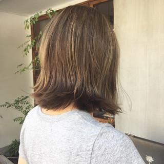 ボブ ローライト アッシュ ハイライト ヘアスタイルや髪型の写真・画像
